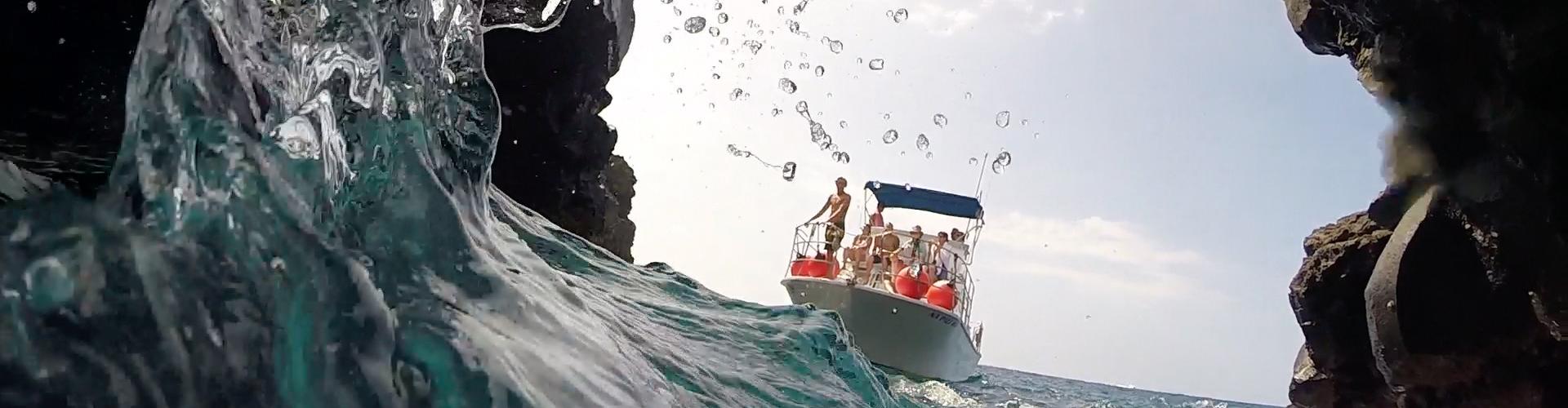 Jack's Dive Boat - Lava Tube